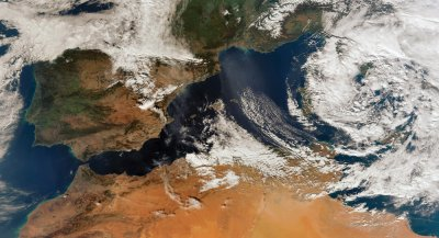 Suomi-NPP VIIRS 750m resolution true colour reprojected image showing southern Europe and northern Africa