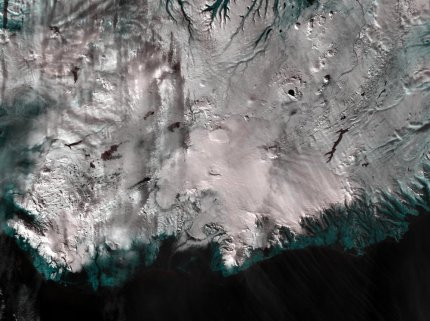 Aqua MODIS 250m resolution false colour image showing southern Iceland